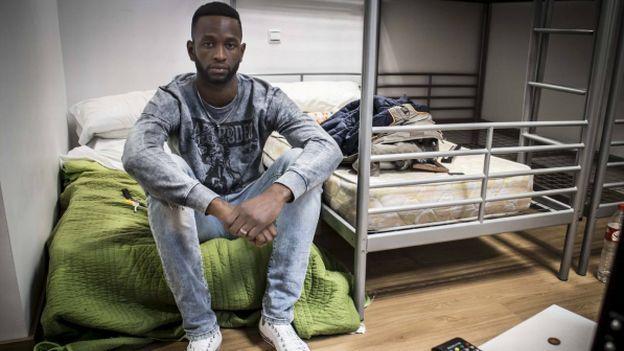 Oumar Diaby: portero del Racing de Santander B que vive en condiciones infrahumanas. #Depor