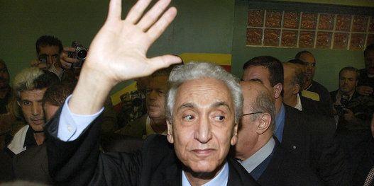 L'un des pères de l'indépendance de l'Algérie, devenu opposant intraitable au régime, va rejoindre pour l'éternité la terre qui a forgé son âme d