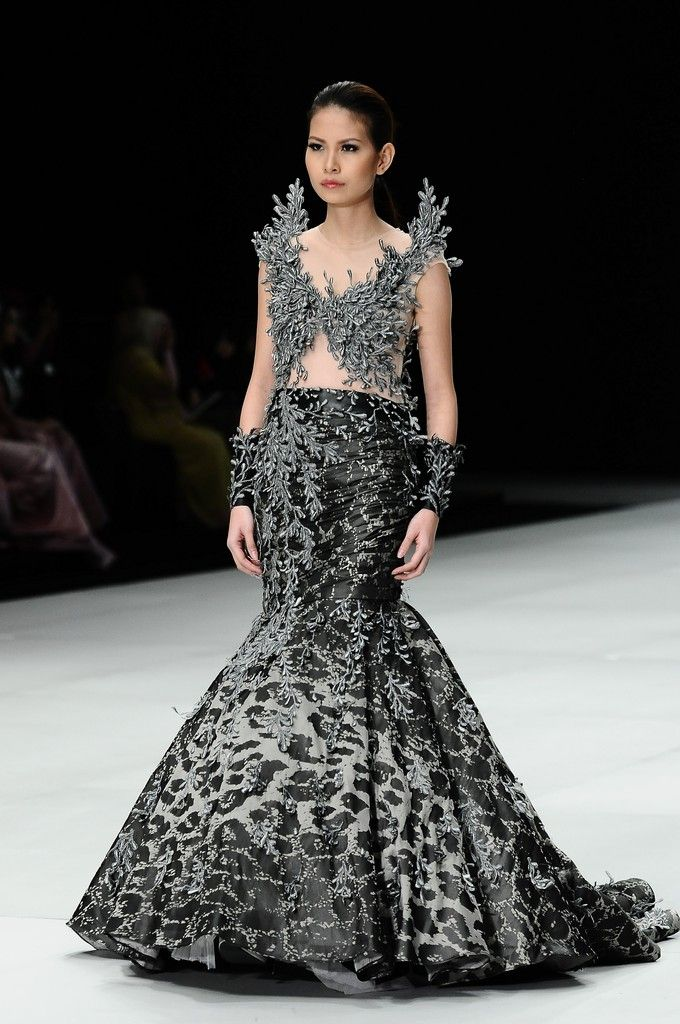http://www.zimbio.com/pictures/XekggnDd7rY/Indonesia Fashion Week 2014/ZTDzFDNflYz