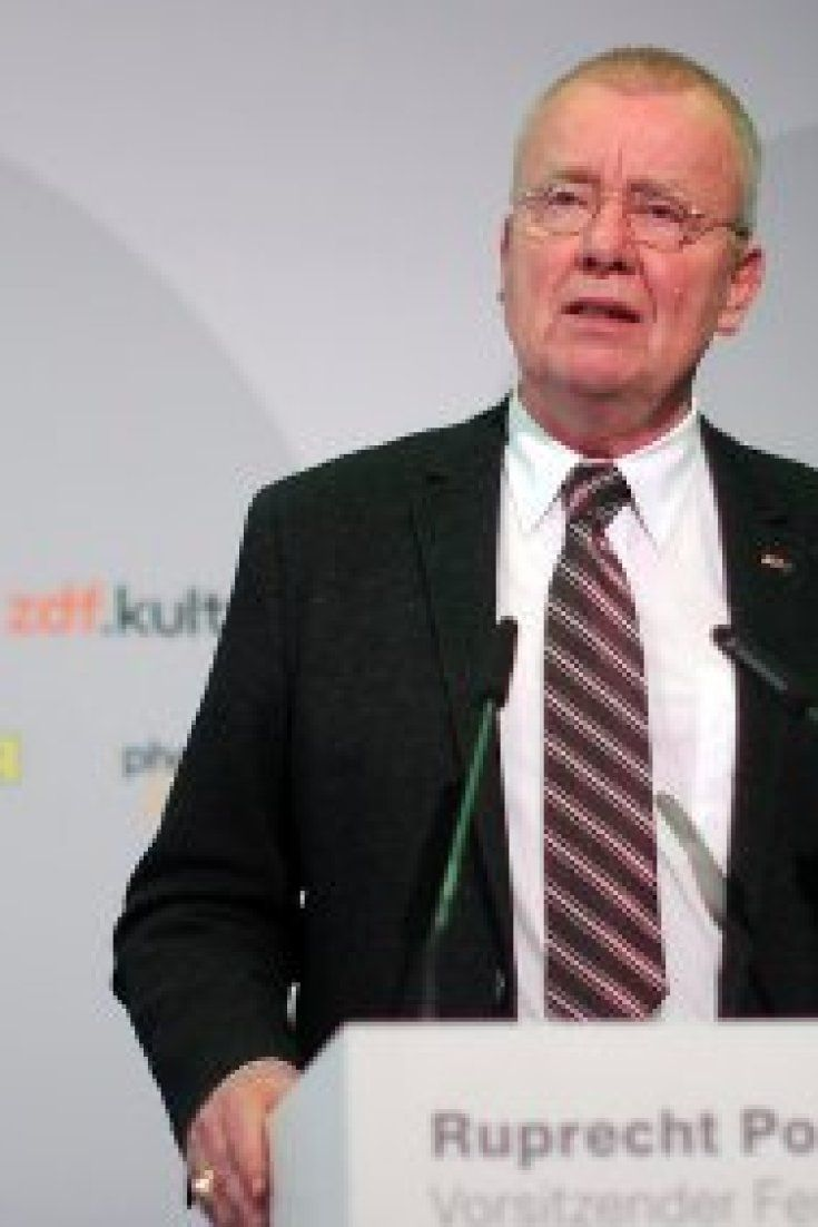 """Ruprecht Polenz: """"Seehofer will Merkel auf sein Niveau herunterziehen"""""""
