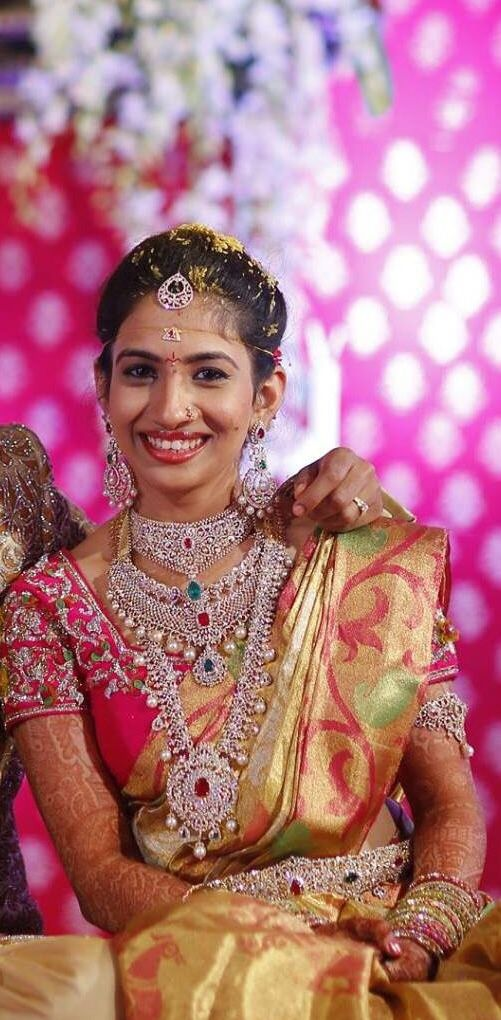 Bride in diamond jwelery