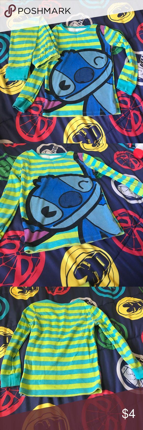 Disney's Stitch boys pajamas Gently worn Disney's Stitch pajama set, size 6. bundle and save!🤑💰 Disney Pajamas Pajama Sets