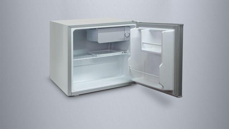 Inventor Mini-Kühlschrank 45L. Die ideale Lösung nicht nur für Hotelzimmer, sondern auch für Küchen mit wenig Platz. Die Energieklasse A ++, sorgt für höhere Energieeinsparungen, der wechselbare Türanschlag macht den Kühlschrank extrem Vielseitigkeit, die fortgeschrittene Türdichtung verhindert den Kühlverlust und die Low-Frost Technologie verhindert eine häufige Frostbildung. Preis: 119,99 €