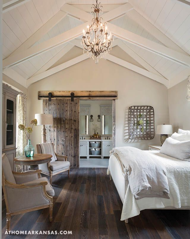 In The Master Bedroom Franks Employed Vaulted Cathedral Ceilings