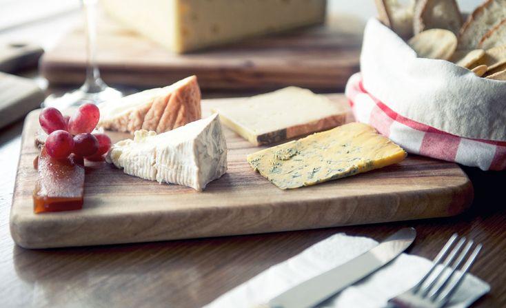 Stinking-Bishops-cheese-board01