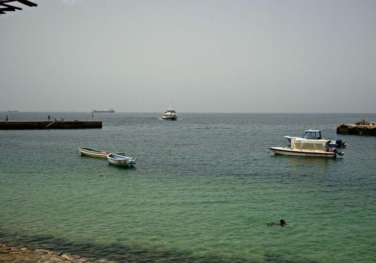 Baignade sur l'Île de Gorée - Blog Voyage Trace Ta Route www.trace-ta-route.com  http://www.trace-ta-route.com/senegal-escapade-dakar/  #tracetaroute #senegal #goree