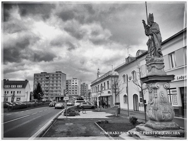#prestice #mesto #city #square #heritage #history #historie #sculpture #statue #vylet #cestovani #turistika #retroturistika #travel #trip #explore #landscape #2017