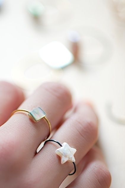 These wire bead rings are cute enough to give as gifts. | The 52 Easiest And Quickest DIY Projects Of All Time
