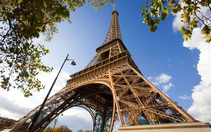 @r2804g - read! Ask the experts: Our Paris expert offers advice on the best ways to   visit the Eiffel Tower, including how to get the cheapest admission, and   full details of opening times