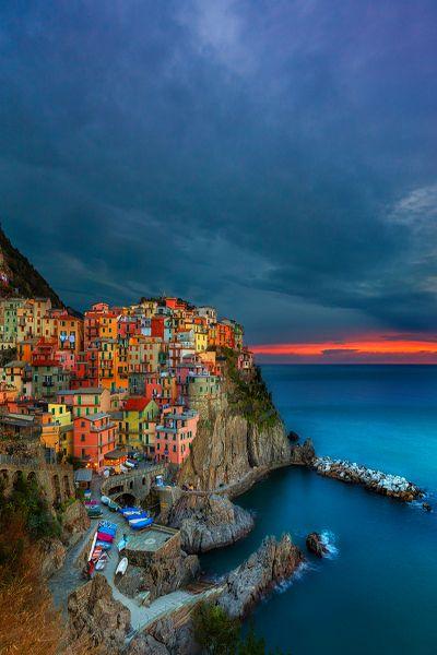 Wer diese süße kleine Stadt besuchen möchte, der sollte nach Cinque Terre in Italien reisen. Günstige Angebote findet ihr hier: http://www.deals.com/kategorien/urlaub-und-reisen/ #gutschein #gutscheincode #sparen #shoppen #onlineshopping #shopping #angebote #sale #rabatt #italy #reisen #urlaub #travel