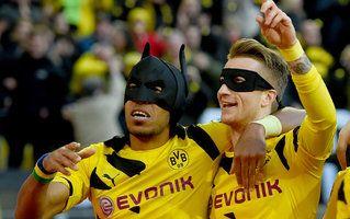 Aubameyang und Reus als Batman und Robin
