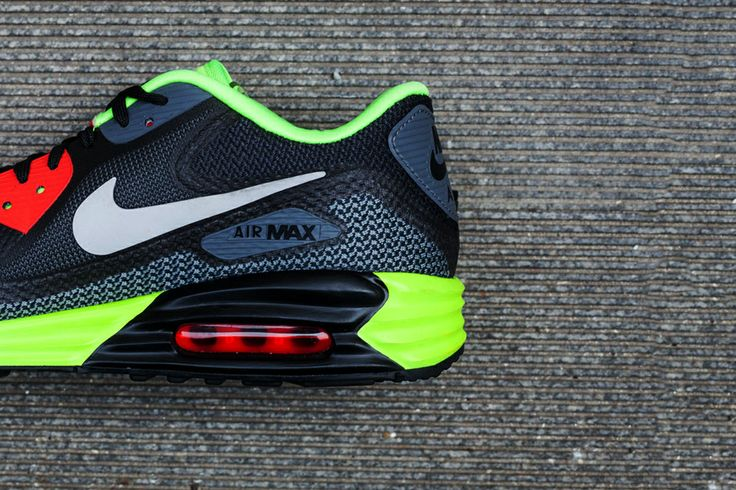 Image of An Exclusive Look at the Nike Air Max Lunar90 Black/Cool Grey-Anthracite-Volt
