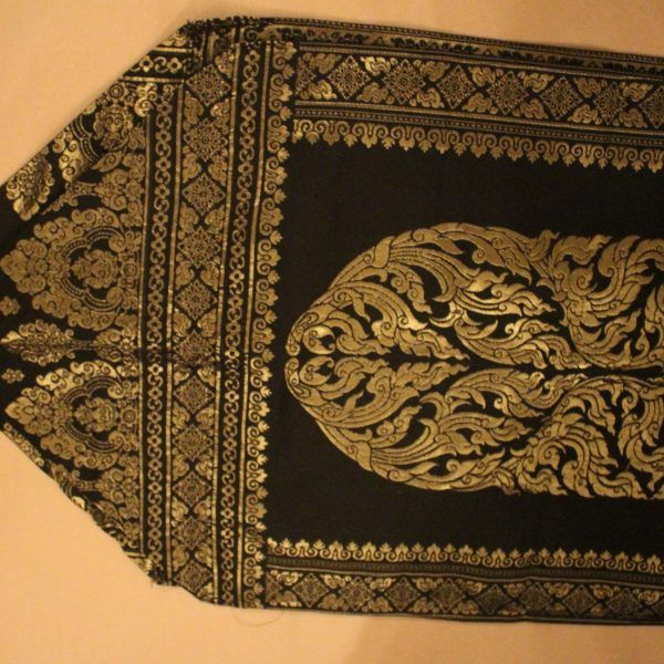 black-and-gold-classic-thai-table-runner