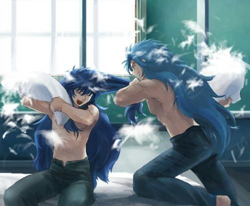 Milo and Kanon Pillows fight!