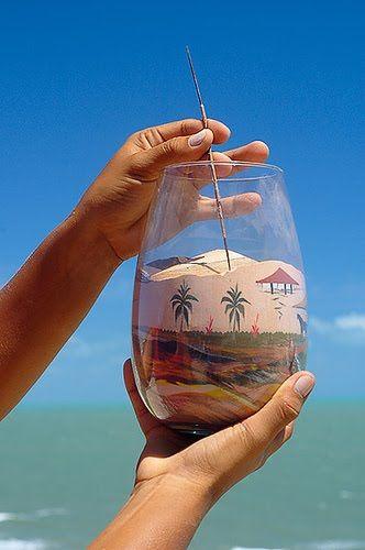 Areias coloridas dispostas em garrafas para retratar a paisagem brasileira. Sericografia. Fonte: blogdamundoposto ....