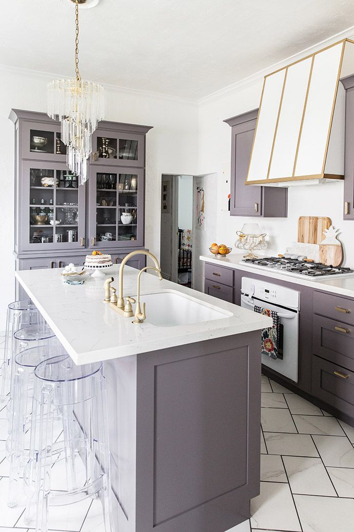An Elegant But Easy Going Kitchen Makeover