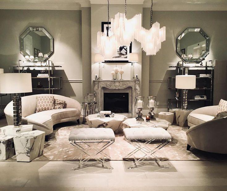 This room 😍 #cadelldesign #eichholtz #interior #interiør #interiör #inspirasjon #stue #livingroom #lounge #møbler #decor #decoration #dekor #dekorasjon #soverom #house #home #hjem #chandelier #follow4follow #crystal #followme #like4like #likeforlike #zgallerie #potterybarn #fashionweek #homeoffice