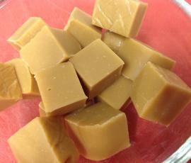 Recipe Easy Caramel Fudge by CarolineLW - Recipe of category Desserts & sweets