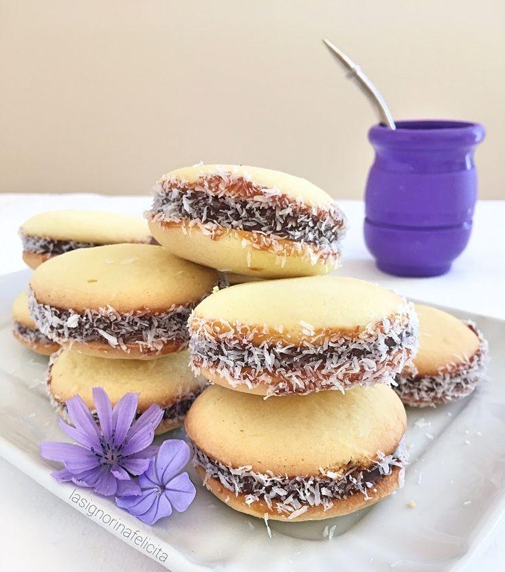 Gli A lfajores sono dei biscotti di origine argentina, diffusi in tutto il sud America e, grazie a internet e ai foodblog, anche nel ...