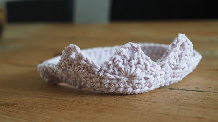 Babykroon, Tirara, newborn, photoprop, gratis patroon, free pattern, crochet, haken.