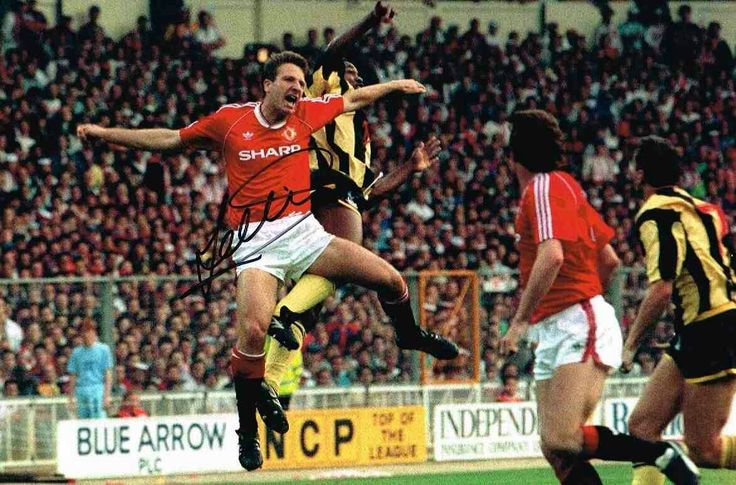 Man Utd 1 Crystal Palace 0 in May 1990 at Wembley. Lee Martin jumps up with Ian Wright in the FA Cup Final Replay.