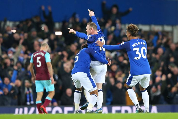 FT: Everton 4-0 West Ham United: Rooney hat trick sees Hammers embarrassed again
