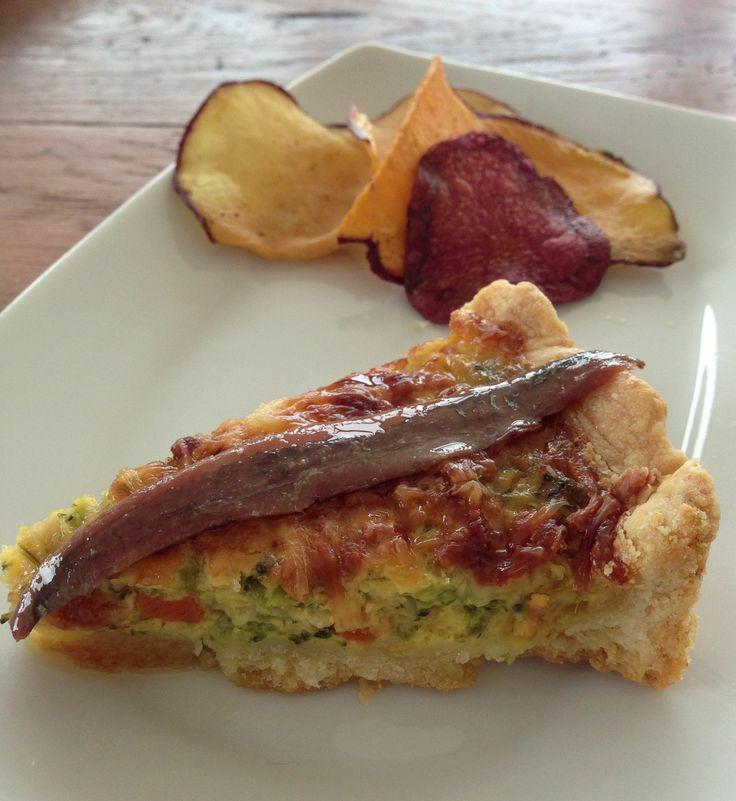 Cantabrian Anchovy on the quiche. Anima tu quiche de verduras con un toque marinero. Anchoa del Cantábrico Olasagasti.