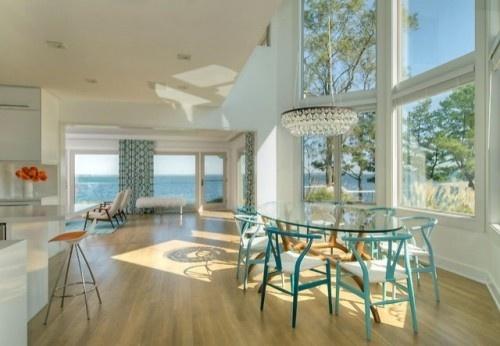 grandes janelas em vidro: Howell Design, Dreams Houses, Lights Fixtures, Hampton Houses, The View, Interiors Design, David Howell, Beaches Houses, Dining Rooms Design