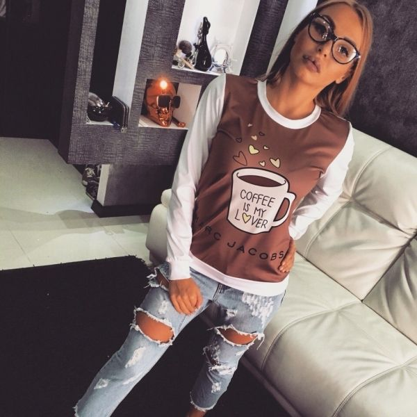Свитер женский стильный брендовый с принтом чашки кофе