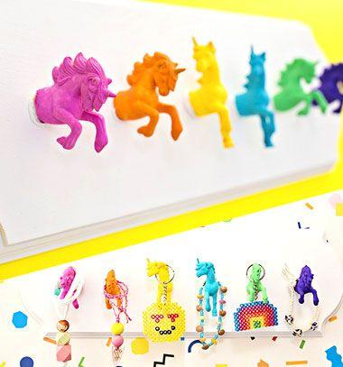 DIY Unicorn wall hooks - kids room decor // Unikornis fogas gyerekszobába műanyag figurákból egyszerűen // Mindy - craft tutorial collection // #crafts #DIY #craftTutorial #tutorial #DIYFurniture