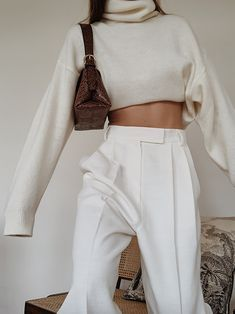 All White — MODEDAMOUR Street style, street fashion, best street style, OOTD,…