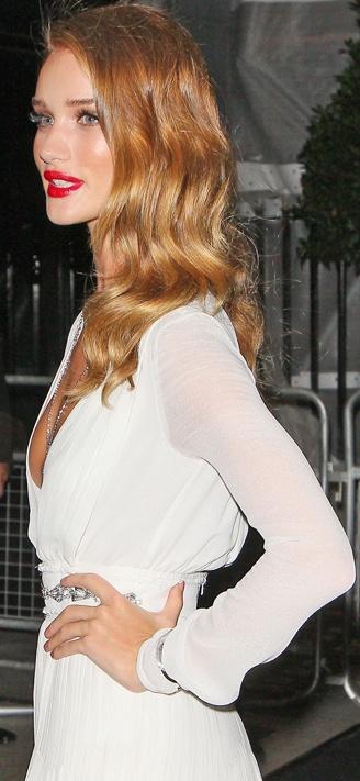 Rosie Huntington Whiteley- hair color