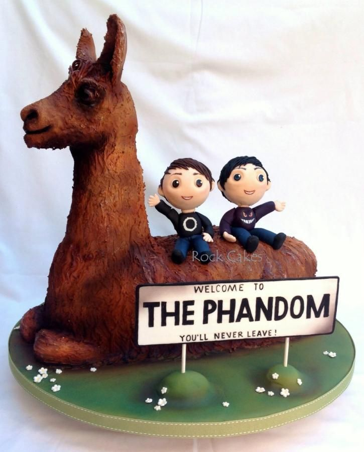 Dan and phil llama cake! Tiz beautiful haha xD  I can't even...