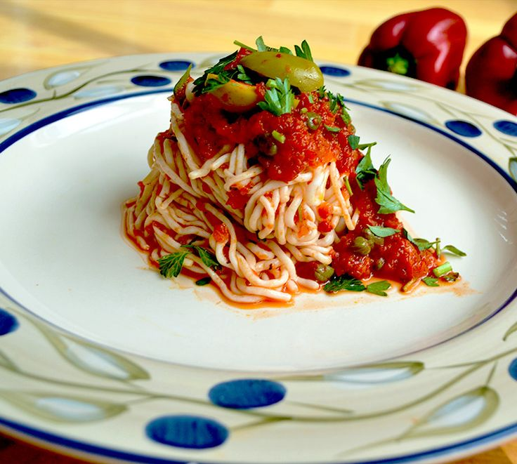 Roasted Capsicum Sauce with Spaghetti