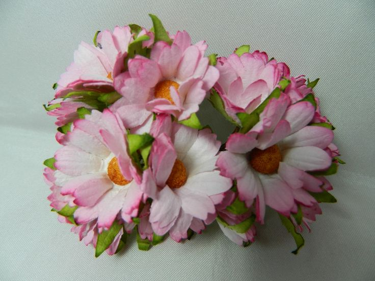 Chrysanthemum paper flowers, to make Mother's Day cards extra special