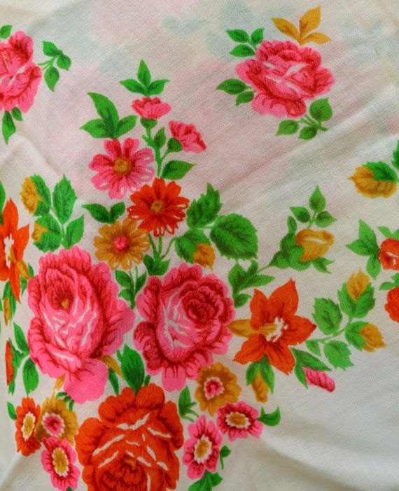 Cadeau Vintage ukrainien châle écharpe Floral russe par bestLuba