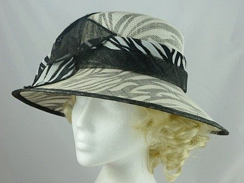 10% OFF - Black and White Wedding Hat