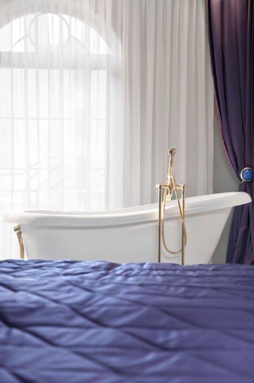 #luxury #design #bathtube #bathtubeinroom #istanbul #sultanahmet #istanbulhotels #luxuryroom #relax