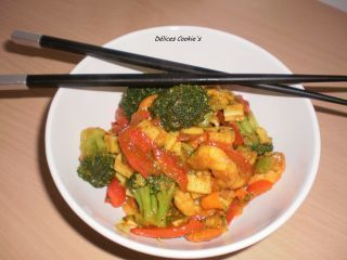 Poêlée de crevettes/surimi & ses légumes au curry