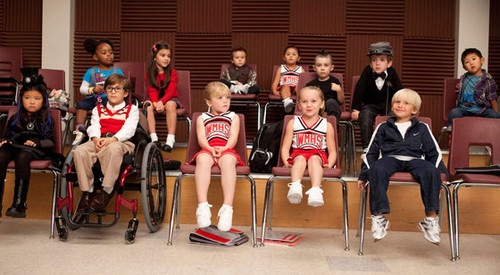"""little glee ---I almost """"aww""""-ed myself silly during this scene. : Kids Style, Baby Glee, Glee Baby, Minis Dog Qu, Minis Glee, Glee Kids, Music Artists, Glee Club, Glee Cast"""