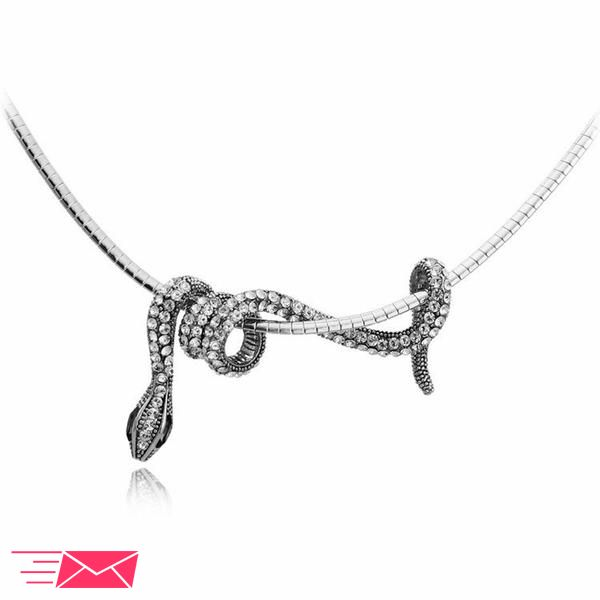 Our snake necklaces were made to symbolize rebirth, transformation and healing. Shop this necklace to remind you of all the transformations you've overcome! Pendant Size:4.5*3.8 cm Length:45 cm