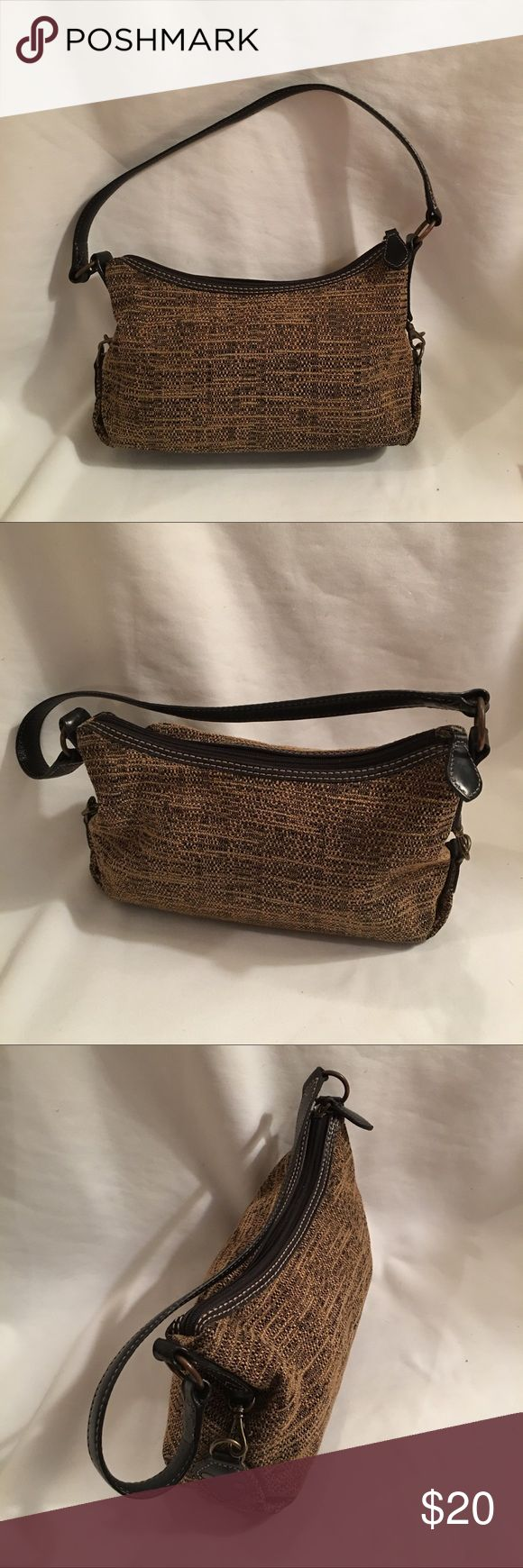 """Vintage brown tapestry Fossil bag Cool vintage tapestry fossil bag with leather bottom and strap in great condition  11"""" across 6@ height 3"""" depth 10"""" drop Fossil Bags Shoulder Bags"""