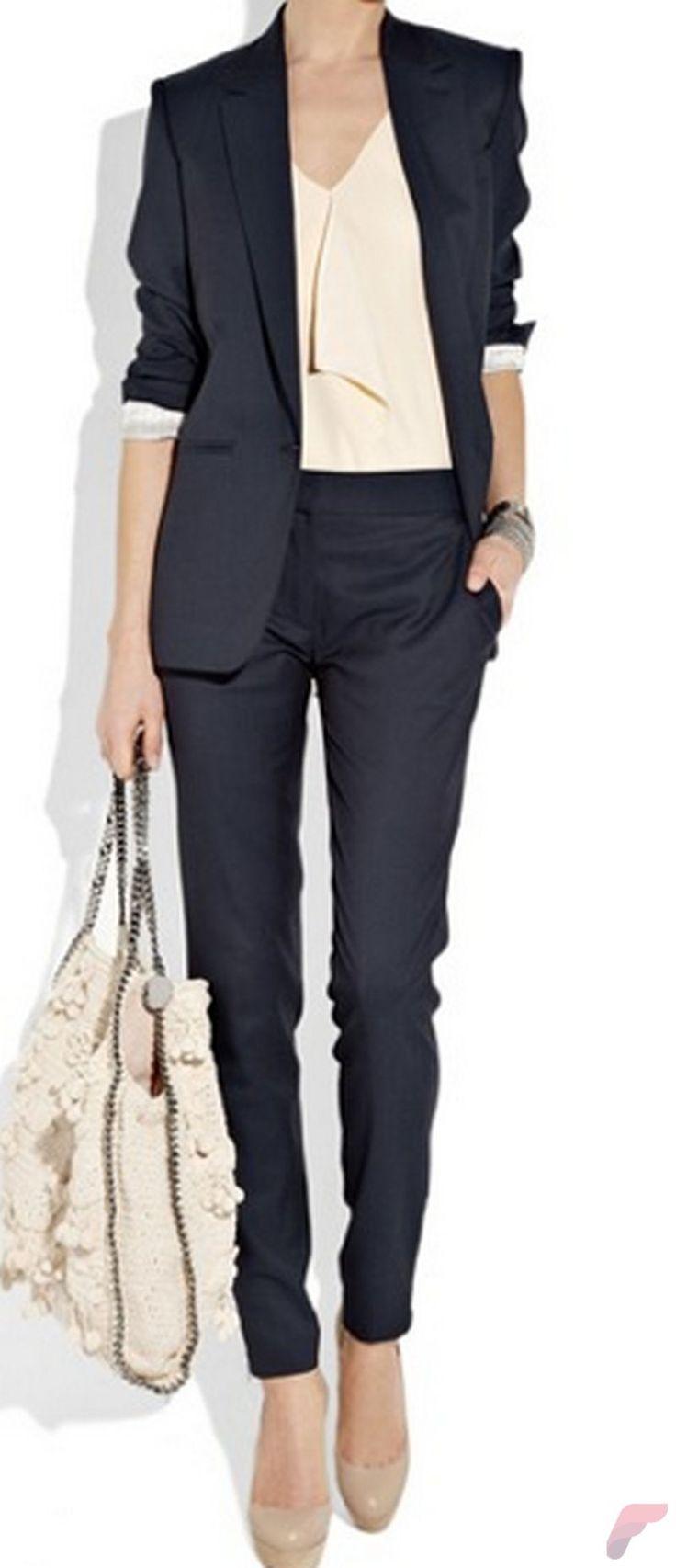 best 25 badass women fashion ideas on pinterest khaki jeans women 39 s urban chic fashion and. Black Bedroom Furniture Sets. Home Design Ideas