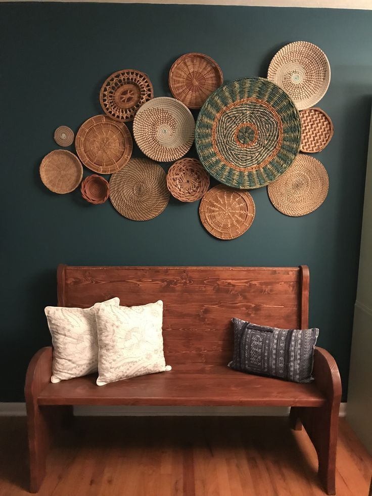 Loving this basket wall against the Deep Ocean Dive by #sherwinwilliams #boho #b