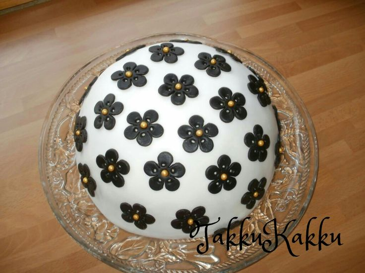 Black flowers  cake