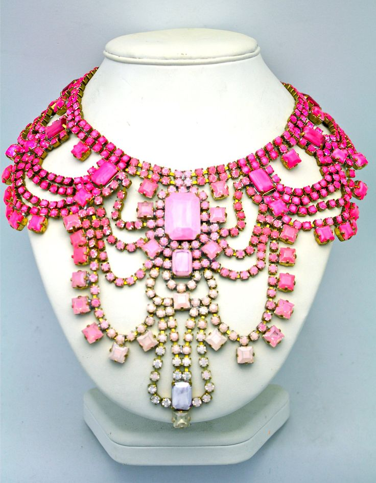 I will wear Doloris Petunia every day.: Statement Necklaces, Gifts Ideas, Dolori Petunias, Bridesmaid Gifts, Ombre Necklaces, Gold Necklaces, Kind Statement, Necklaces Paris, Bibs Necklaces