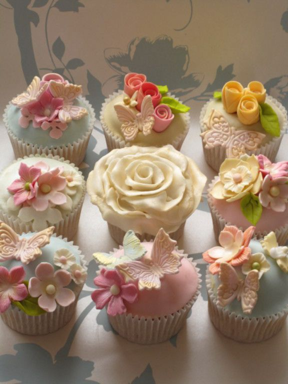 Our cupcake making and decorating classes and gift vouchers - Le Beau Cake