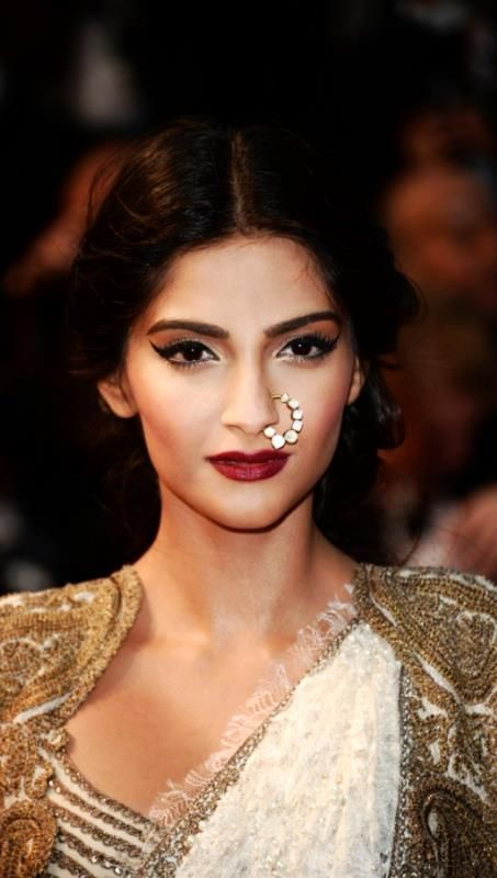 Sonam Kapoor looks great! Catch the latest beauty trends on the ALL NEW www.glamrs.com launching soon!