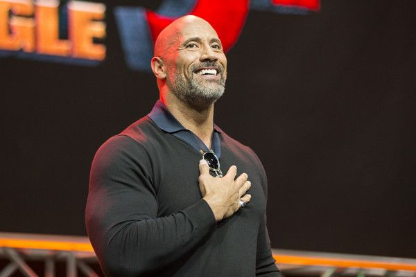 """Dwayne Johnson Photos - Actor Dwayne Johnson onstage at ENTERTAINMENT WEEKLY Presents Dwayne """"The Rock"""" Johnson at Stan Lee's Los Angeles Comic-Con at Los Angeles Convention Center on October 28, 2017 in Los Angeles, California. - ENTERTAINMENT WEEKLY Presents Dwayne 'The Rock' Johnson at Stan Lee's Los Angeles Comic-Con"""
