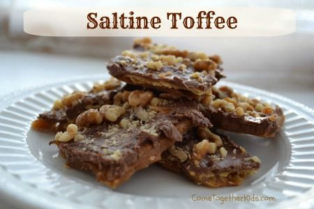 Saltine Toffee - delicious, addicting, and super easy